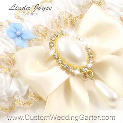 "Ivory and White Wedding Garter ""Michaela 04"" Gold"