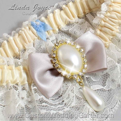 """Carmandy and Ivory Lace Wedding Garter """"Victoria 10"""" Gold"""