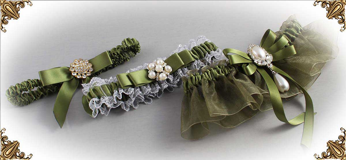 561-Willow-Green-Wedding-Garters
