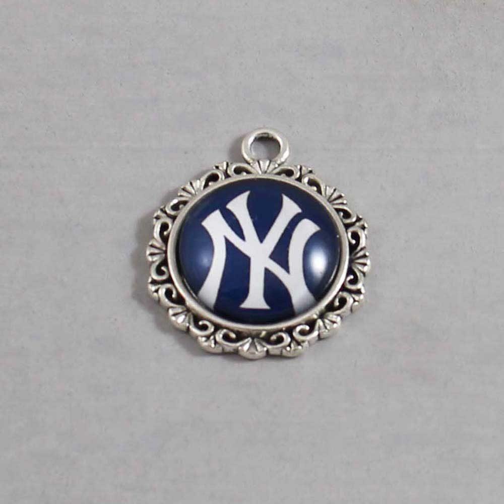 MLB New York Yankees Charm 01