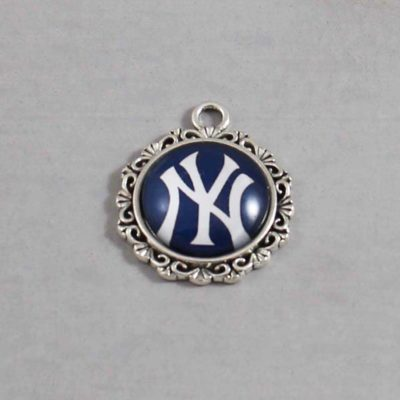 MLB New York Yankees Charm 01