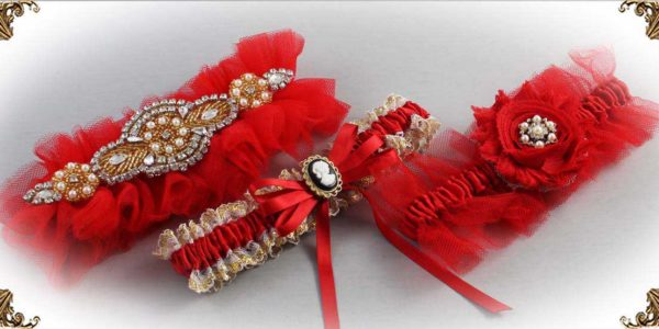 Shop-by-Color_Red-Wedding-Garters