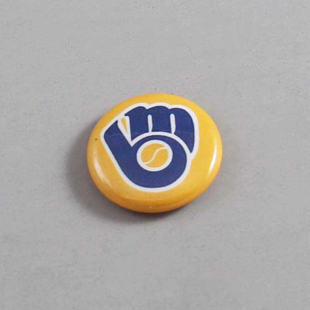 MLB Milwaukee Brewers Button 03