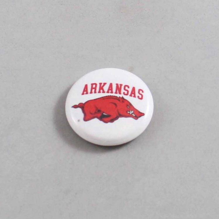 NCAA Arkansas Razorbacks Button 01