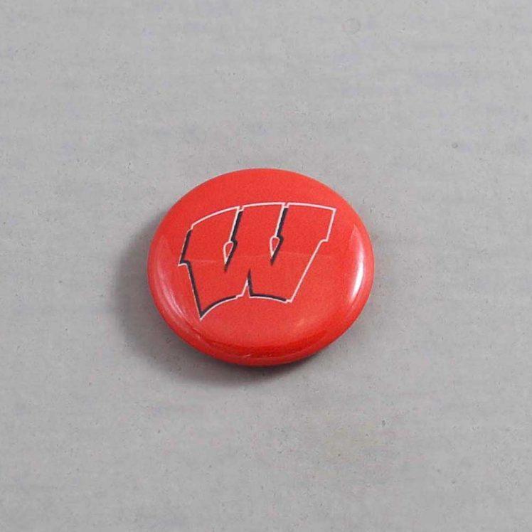 NCAA Wisconsin Badgers Button 04