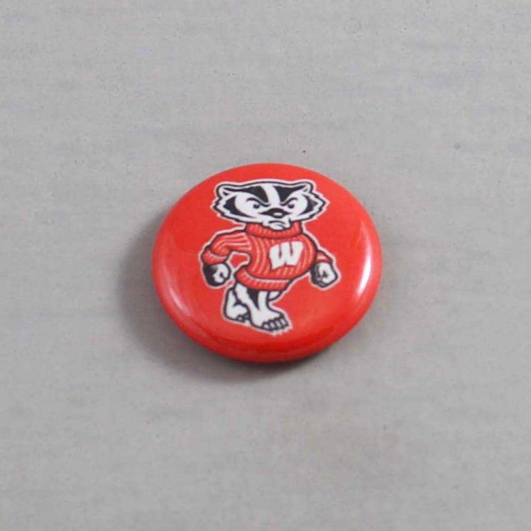 NCAA Wisconsin Badgers Button 05