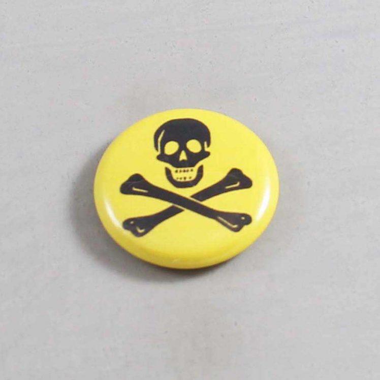 Skull Button 03