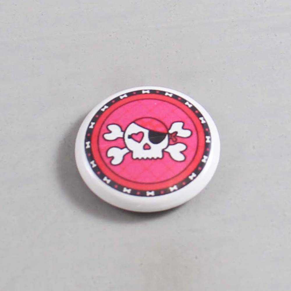 Skull Button 04