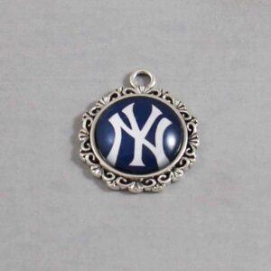 New York Yankees Wedding Garter / MLB / Baseball - Charm-568 / Wedding Garters / Bridal Garter / Prom Garter / Linda Joyce Couture